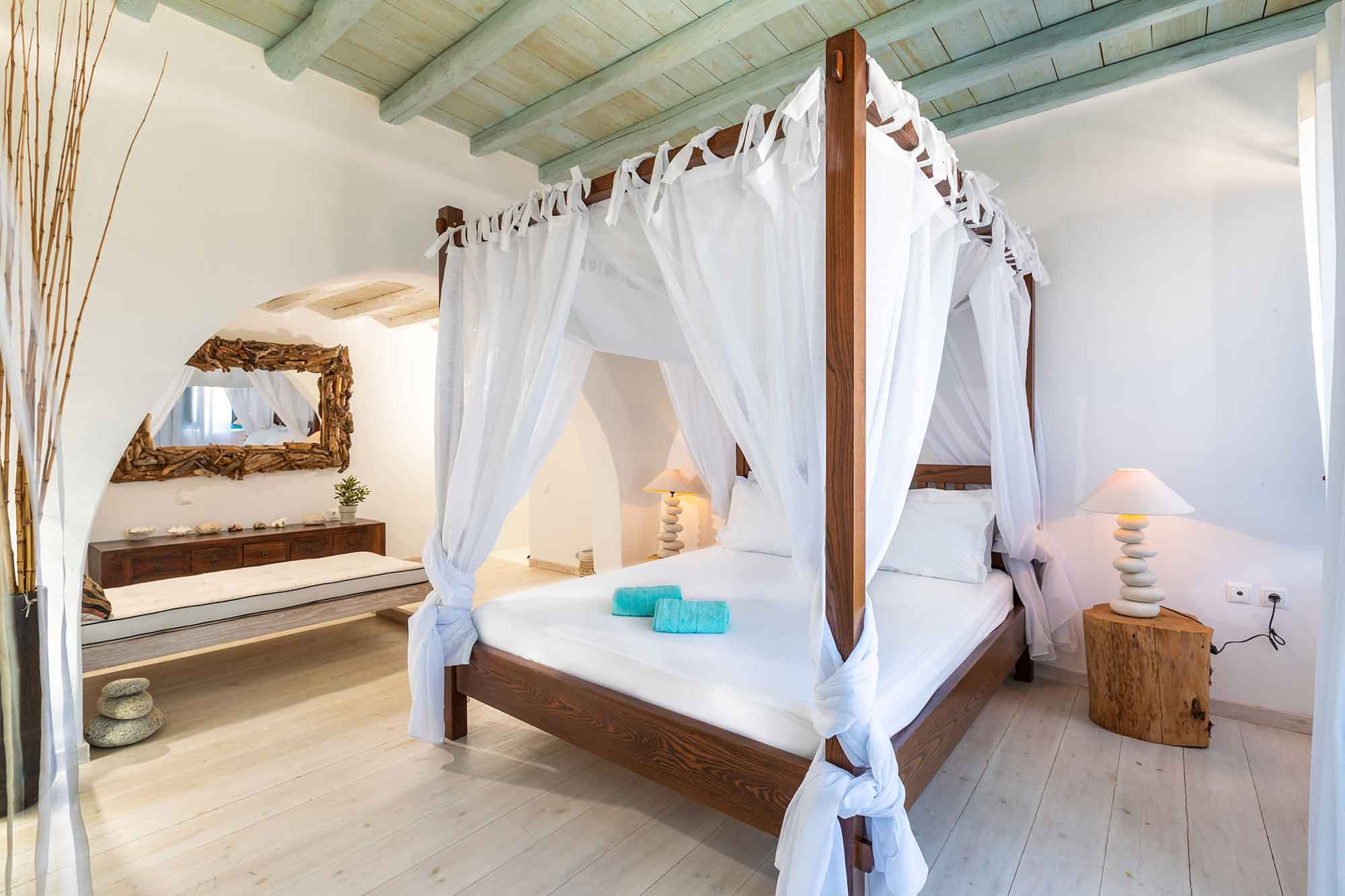 RENT A LUXURIOUS VILLA BY THE SEA IN MYKONOS - VILLA KARKOS - room decoration