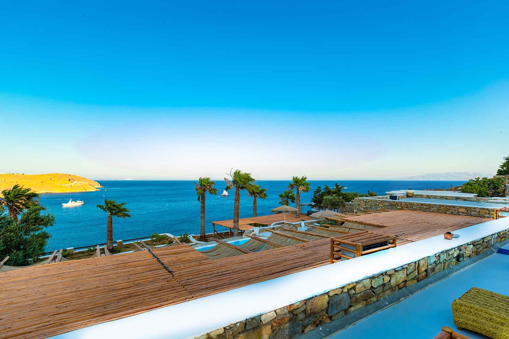 RENT A LUXURIOUS VILLA BY THE SEA IN MYKONOS - VILLA KARKOS - blue sea view