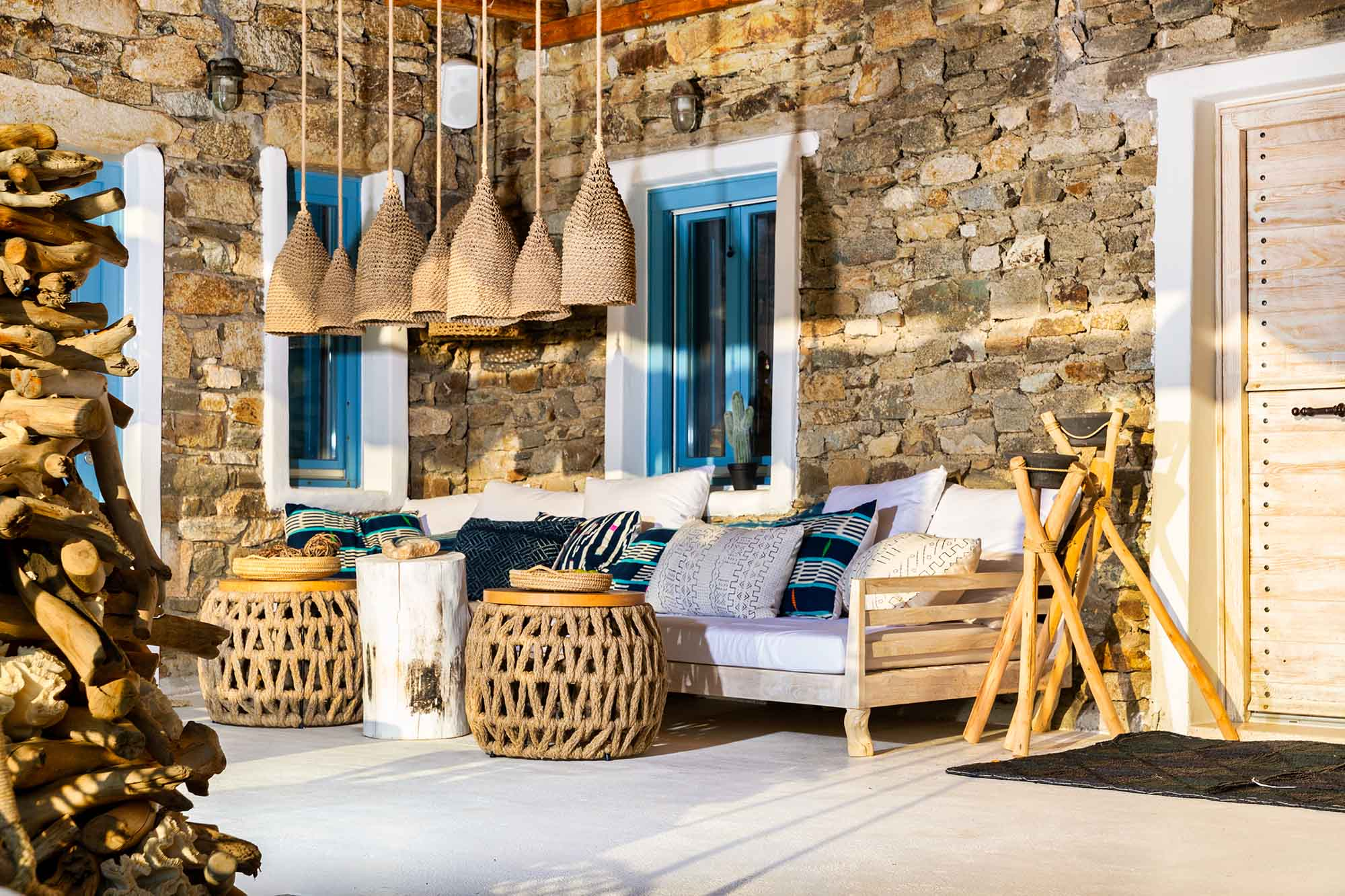 RENT A LUXURIOUS VILLA BY THE SEA IN MYKONOS - VILLA KARKOS - beautiful terrace