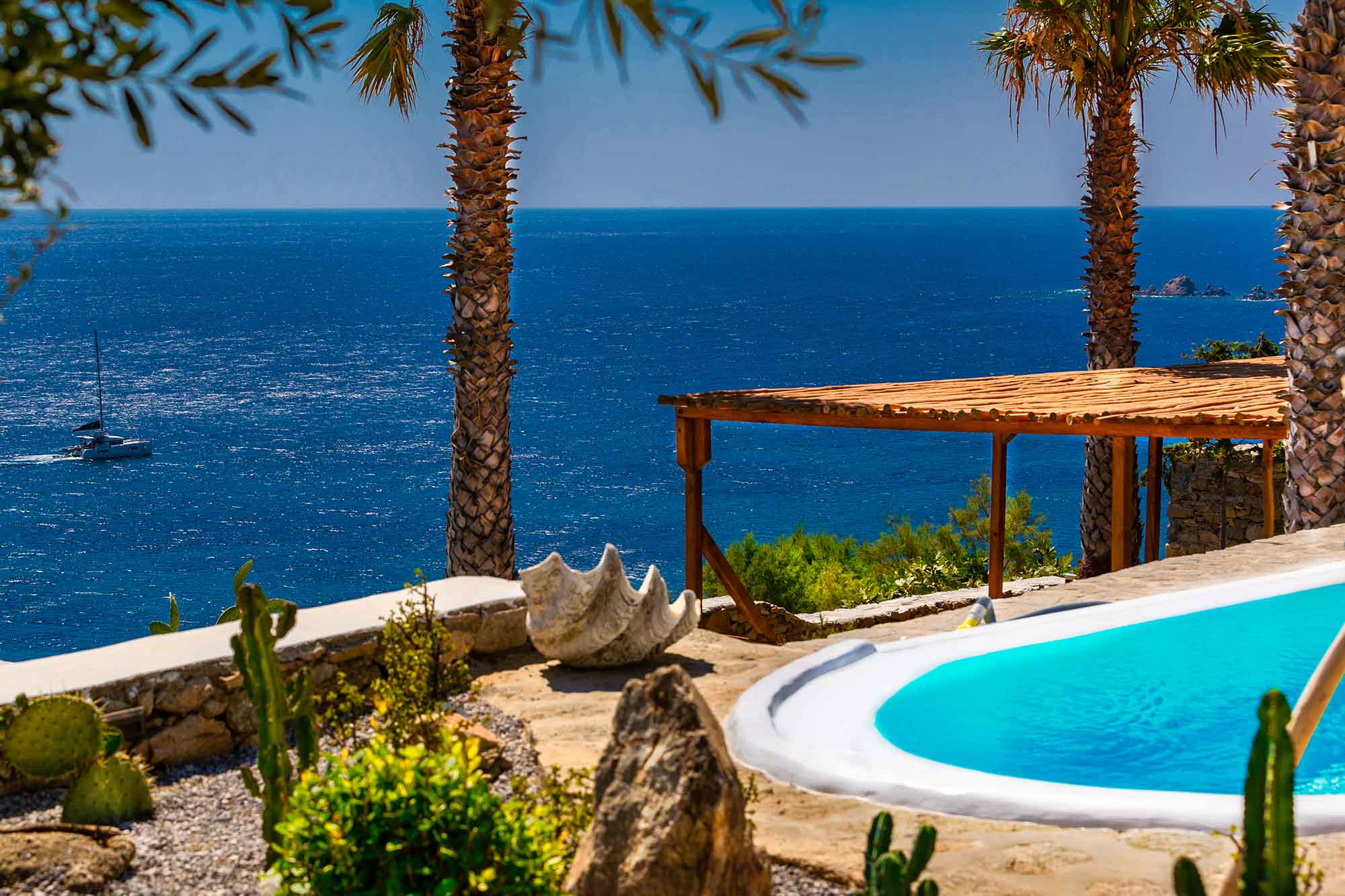 RENT A LUXURIOUS VILLA BY THE SEA IN MYKONOS - VILLA KARKOS - sea view