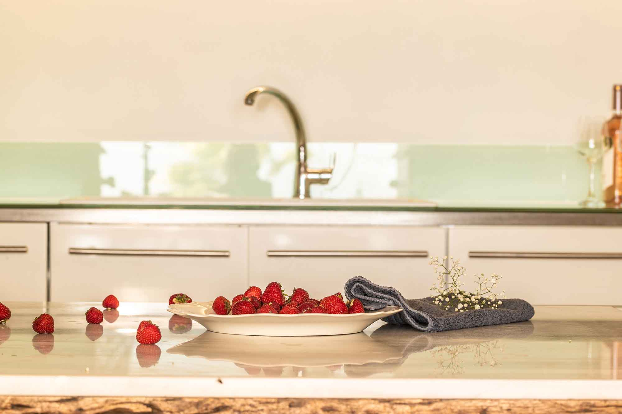 RENT A LUXURIOUS VILLA BY THE SEA IN MYKONOS - VILLA KARKOS - strawberry cuisine