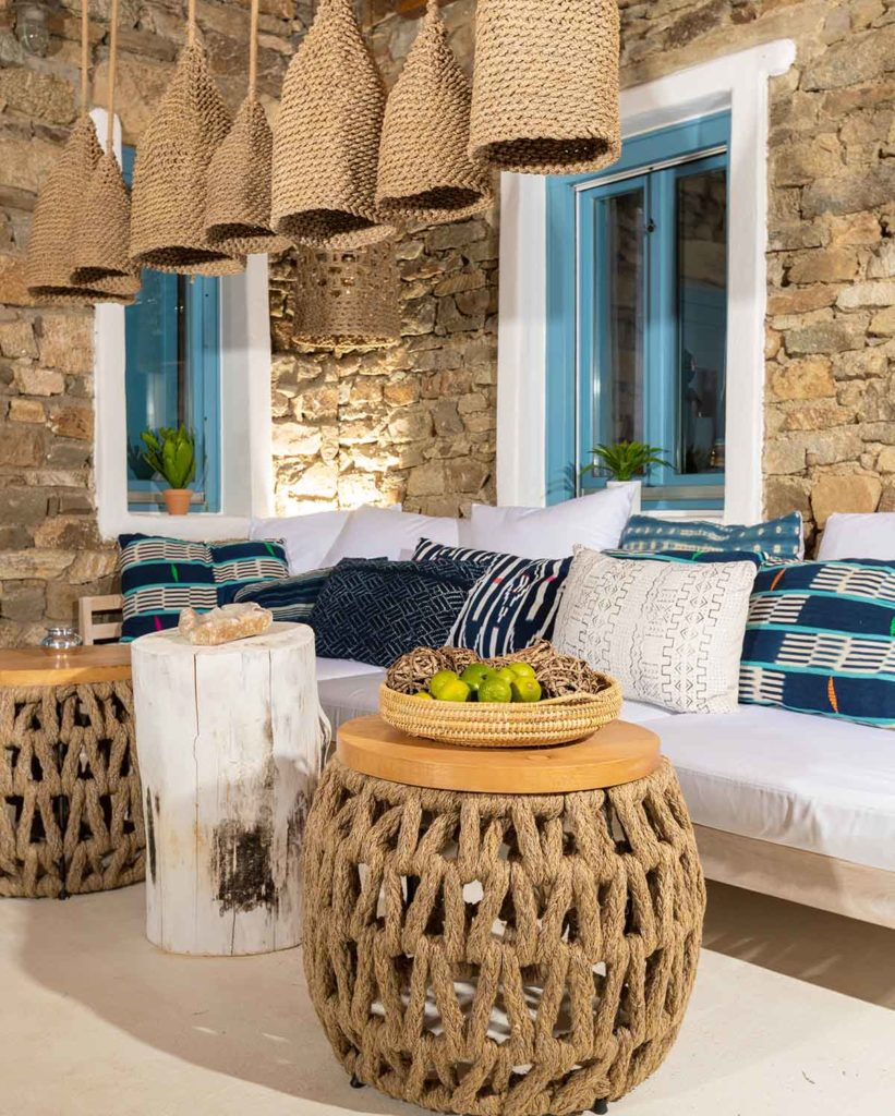 RENT A LUXURIOUS VILLA BY THE SEA IN MYKONOS - VILLA KARKOS - original deco