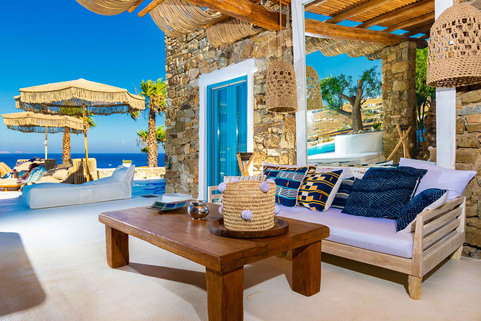 RENT A LUXURIOUS VILLA BY THE SEA IN MYKONOS - VILLA KARKOS - terrace