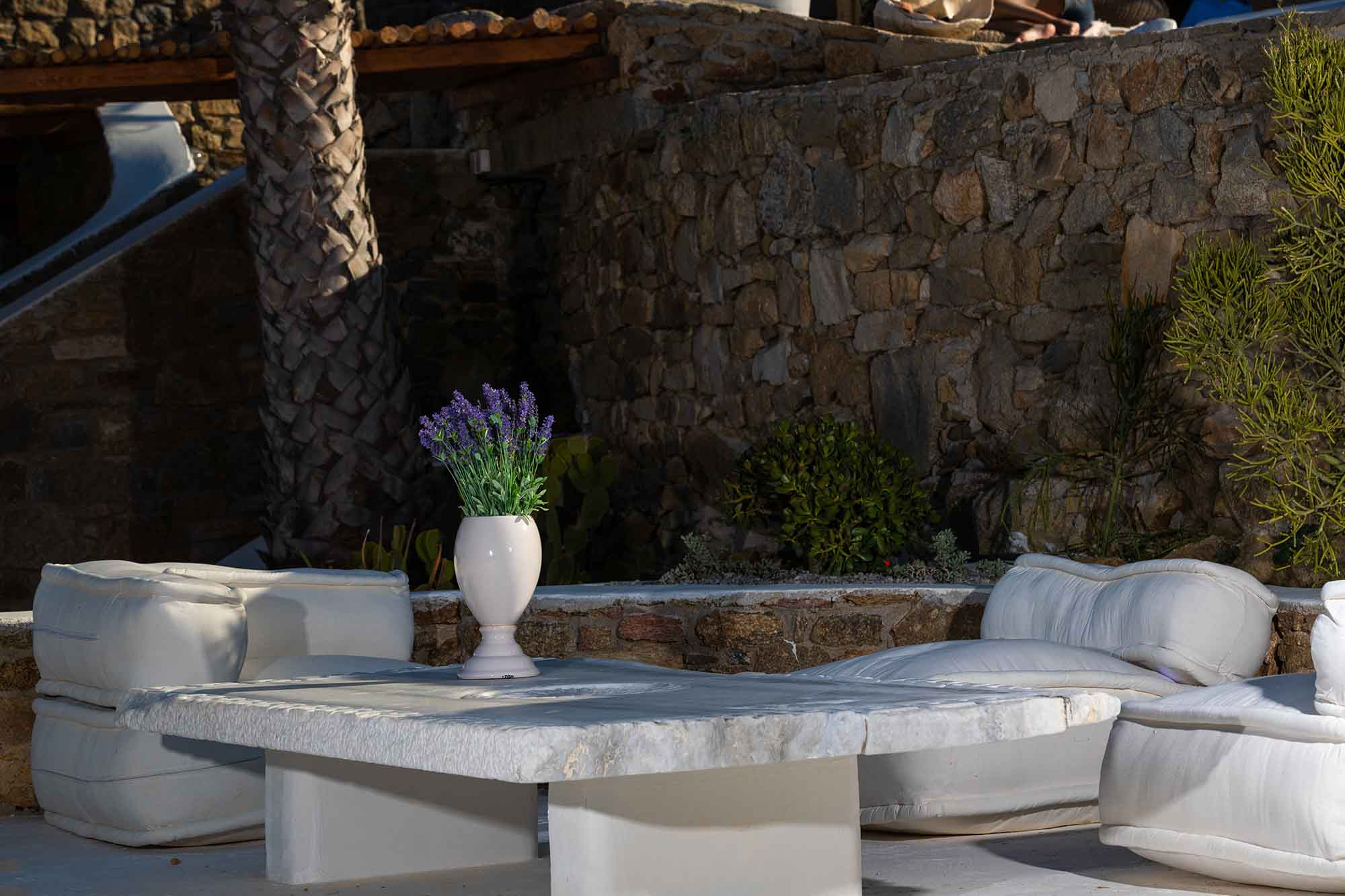 RENT A LUXURIOUS VILLA BY THE SEA IN MYKONOS - VILLA KARKOS - swimming pool by night